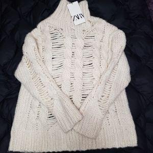 🆕️❣NWT Zara Turtleneck Sweater